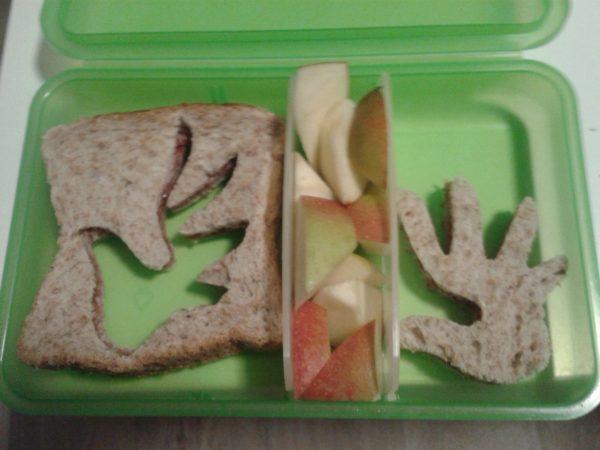 Menschenrechtstoast + Apfel